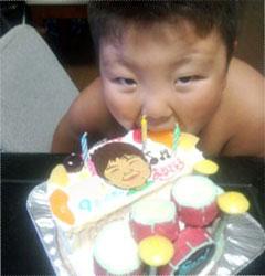 ドラムケーキと、サニー号のケーキ