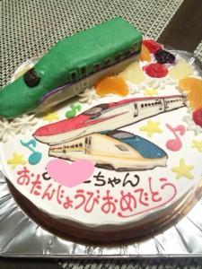 北海道新幹線と秋田新幹線と北陸新幹線のケーキ