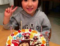 手裏剣戦隊ニンニンジャー、仮面ライダードライブ、ウルトラマンと似顔絵のケーキ
