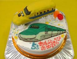 ドクターイエローと新幹線イラストケーキ