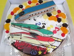 北陸新幹線かがやき立体、こまち、はやぶさケーキ