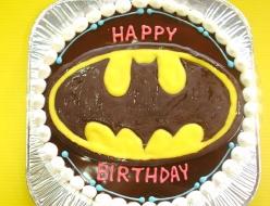 バットマンロゴケーキ