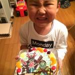 仮面ライダーネクロムとディープスペクターケーキ