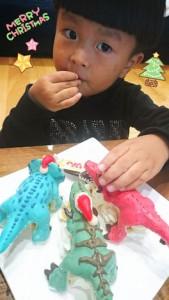 恐竜クリスマスケーキ