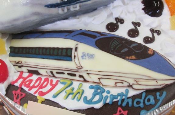 N700系と500系新幹線ケーキ