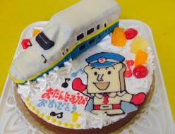 新幹線MAXと食パンマンケーキ