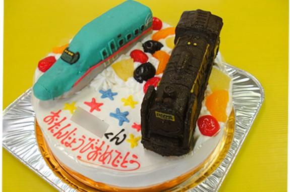 SLと新幹線はやぶさケーキ