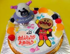 アンパンマンとバイキンUFOケーキ