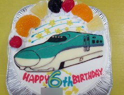 北海道新幹線ケーキ