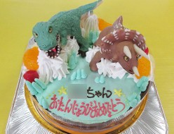 恐竜ケーキ、恐竜ティラノサウルスとトリケラトプス