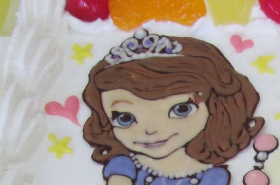 ソフィアとお城とペンダントのケーキ
