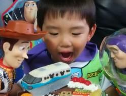 ディズニーモノレールとトイストーリーのケーキ