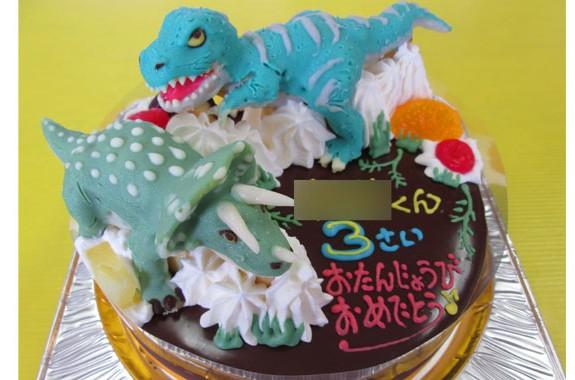 ティラノサウルスとトリケラトプス恐竜立体ケーキ