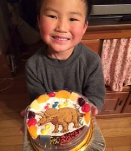 トリケラトプス恐竜ケーキ