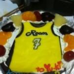 チームユニフォームのサプライズケーキ