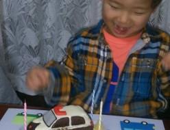 パトカー立体と三菱ランサーのバースデーケーキ