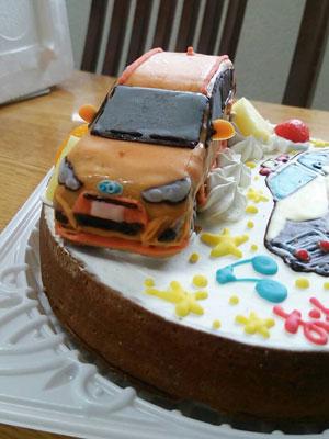 トヨタアクア車立体ケーキ