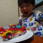 カーズと仮面ライダードライブのケーキ