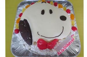 スヌーピー顏ケーキ