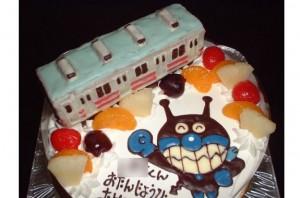 バイキンマンと電車立体ケーキ