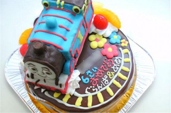 トーマスケーキ オリジナルケーキおぐに電車車キャラクター似顔絵