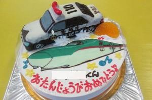 パトカーと新幹線はやぶさケーキ
