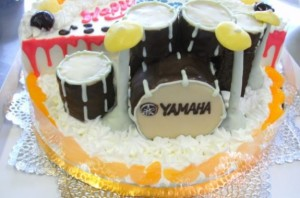 ドラムス立体ケーキ
