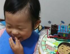 トーマスと似顔絵のケーキ