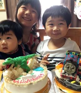 トーマスとティラノサウルス恐竜立体ケーキ
