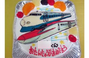 新幹線こまちと0系新幹線ケーキ