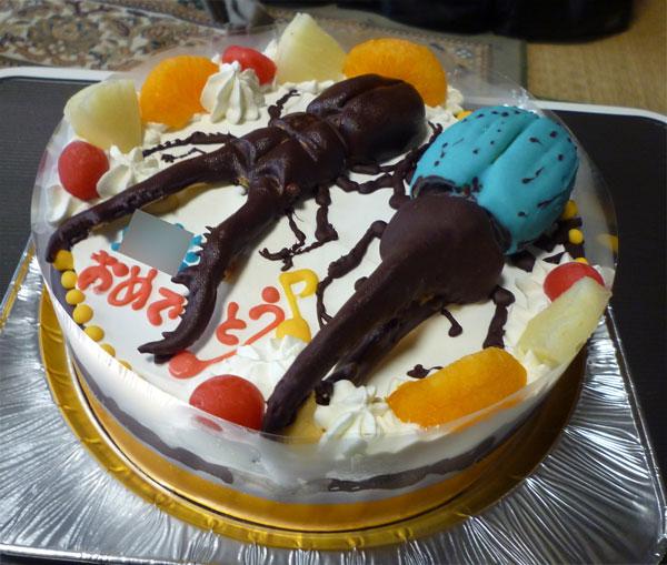 カブトムシとクワガタケーキ