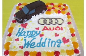 車ケーキ、アウディウェディング