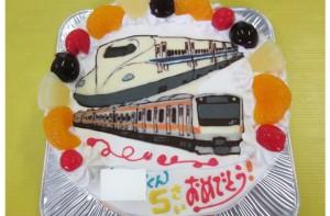 JR東日本の中央線と新幹線N700系ケーキ