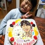 キャラクターと似顔絵のケーキ