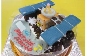 小惑星探査機はやぶさケーキ