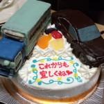 クラウンとトラックの車立体2台のせケーキ