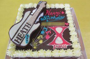 ギターとロゴのケーキ