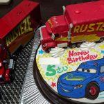 カーズ3のマックとファビュラス マックィー ンイラストケーキ