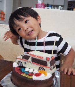 救急車立体ケーキ