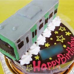 新型山手線電車ケーキ