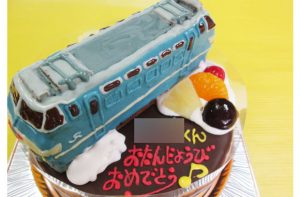 EF66-27電車ケーキ
