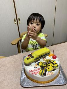 シンカリオン・ドクターイエロー立体ケーキ