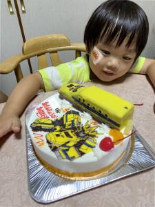 ドクターイエローとシンカリオンのケーキ