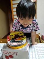 クレーン車とダンプカーのケーキ