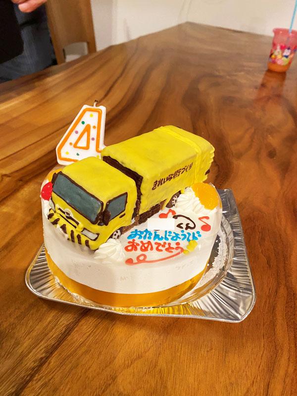 ゴミ収集車立体ケーキ