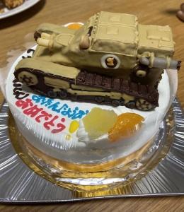 戦車CV33立体ケーキ