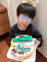 新幹線はやぶさとシンカリオンはやぶさケーキ