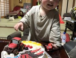 トラクターとコンバインケーキ